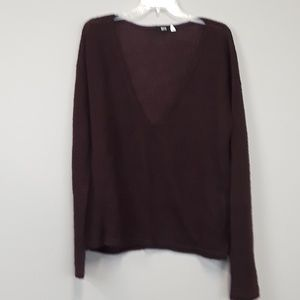 BDG UO maroon V neck pullover sweater size L